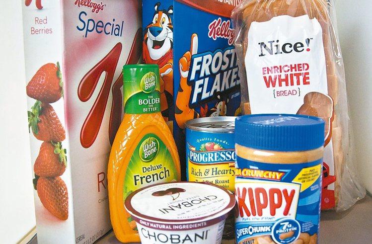 美國FDA不准業者把果糖含量高的玉米糖漿改名「玉米糖」,憂此將導致消費者困惑。圖...