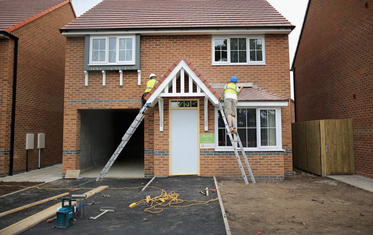 為確保逐步改建出你構想中的家園又不違反地方建築法,買屋前就要作好規劃和研究。(G...