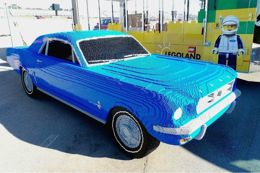 這輛 1:1 全尺寸由樂高積木打造的 1964 年 Ford Mustang,若...