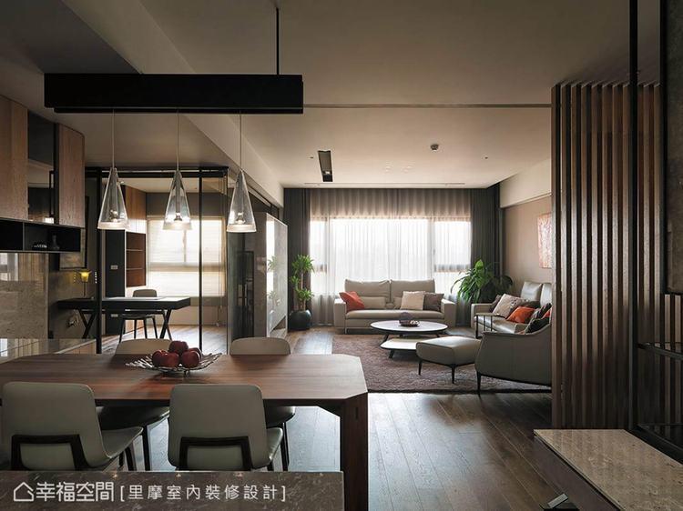 ▲充沛採光: 里摩室內裝修設計利用大面的窗戶設計,將戶外的自然光引援入室,讓開放...