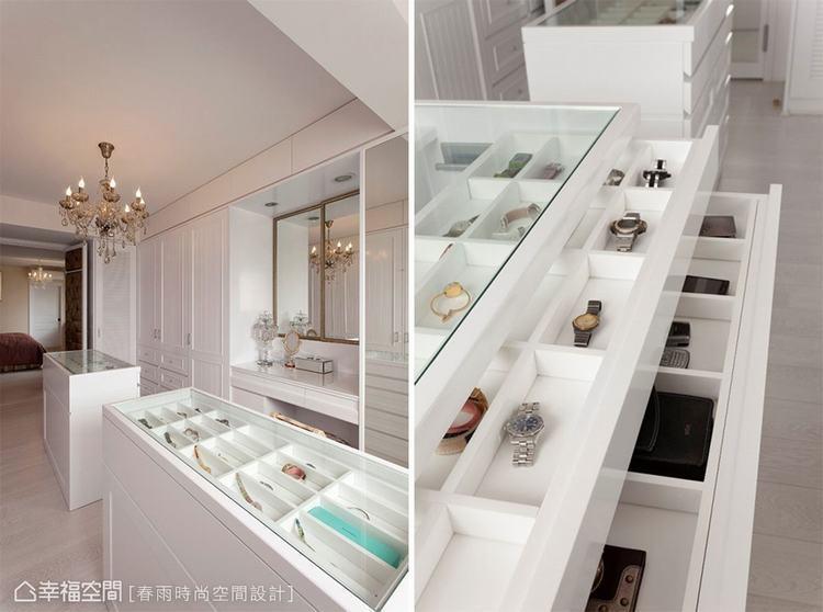 ▲格狀收納櫃上方加裝透明玻璃,能清楚將飾品分門別類,易於找尋使用。