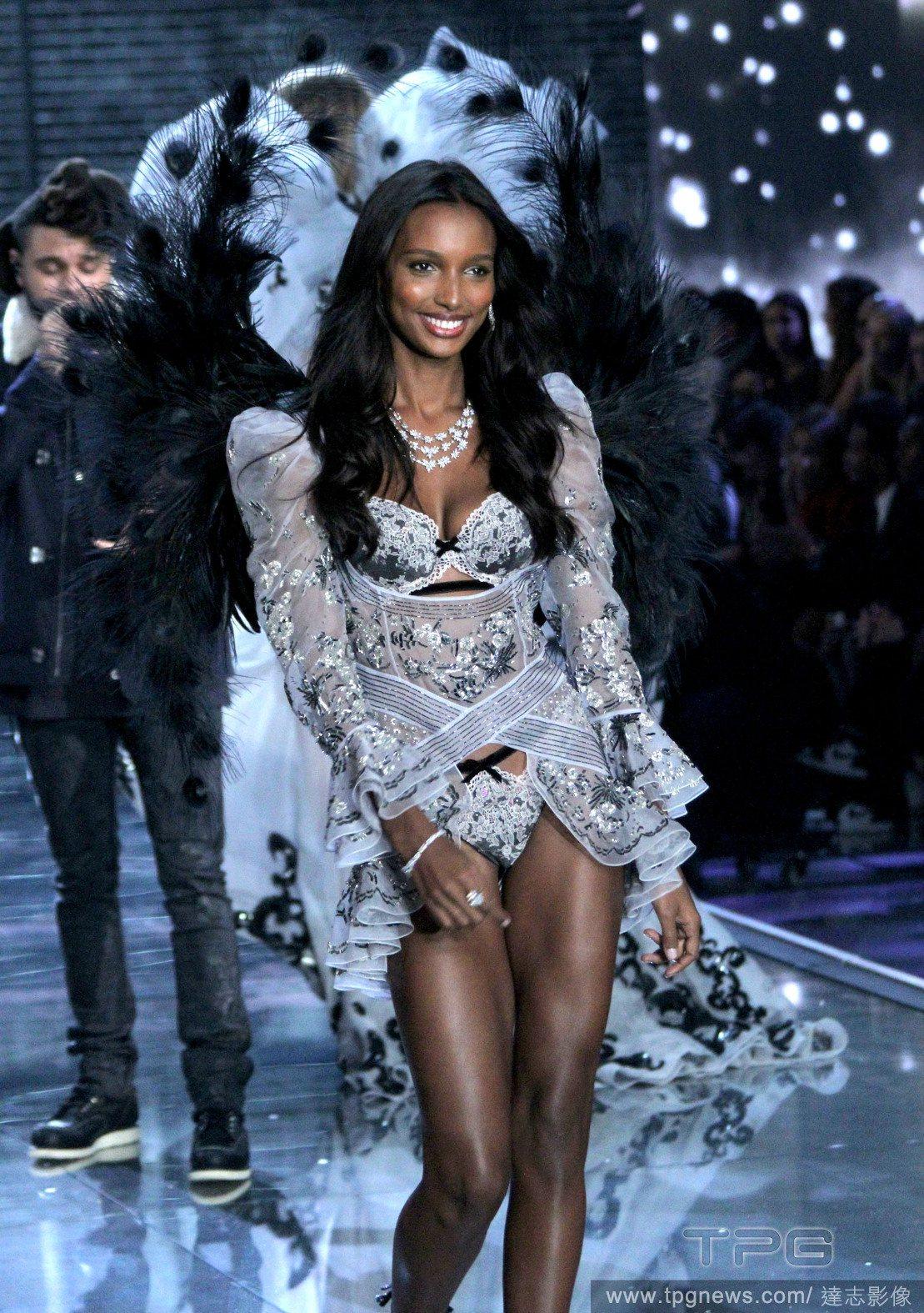 近億的夢幻內衣出爐了!只有這等美女才能 穿上它!
