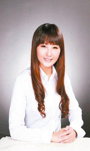 蔡翠燁(信義房屋復興民生店) 年齡:37歲入行年資:15年