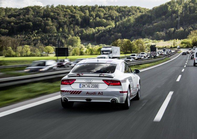 奧迪與德國交通部共同攜手共構「數位化道路實測平台」。圖/台灣奧迪提供