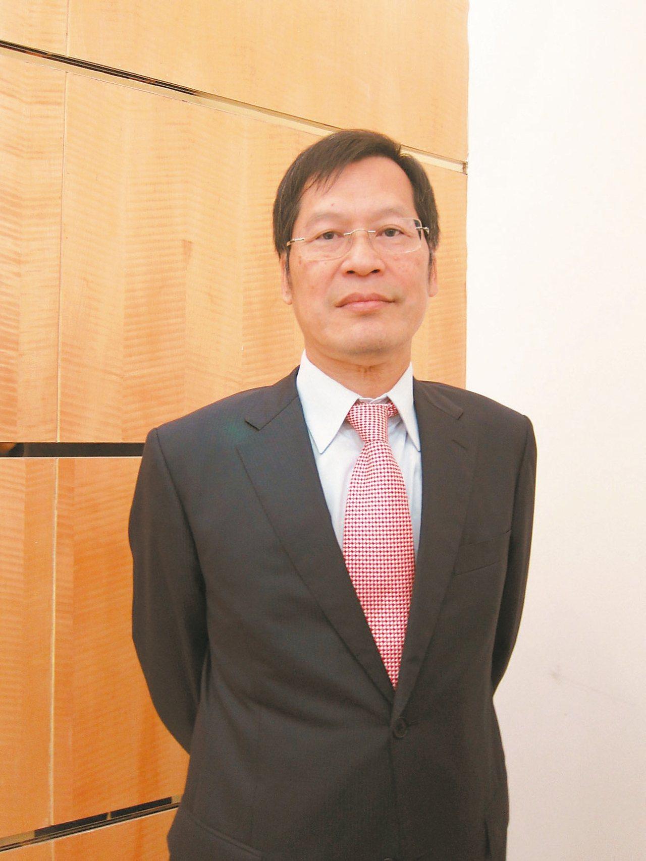 群光藍天集團董事長許崑泰,無論是個人、公司,在兩岸三地坐擁不少房產,且個個位在精...