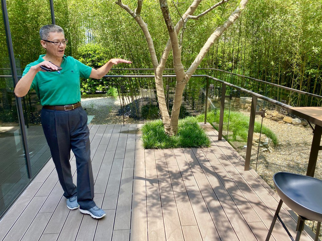 惠宇建設總經理顏定滄表示,「青山清Sky Villa」申請宜居建築,並以「天空墅...