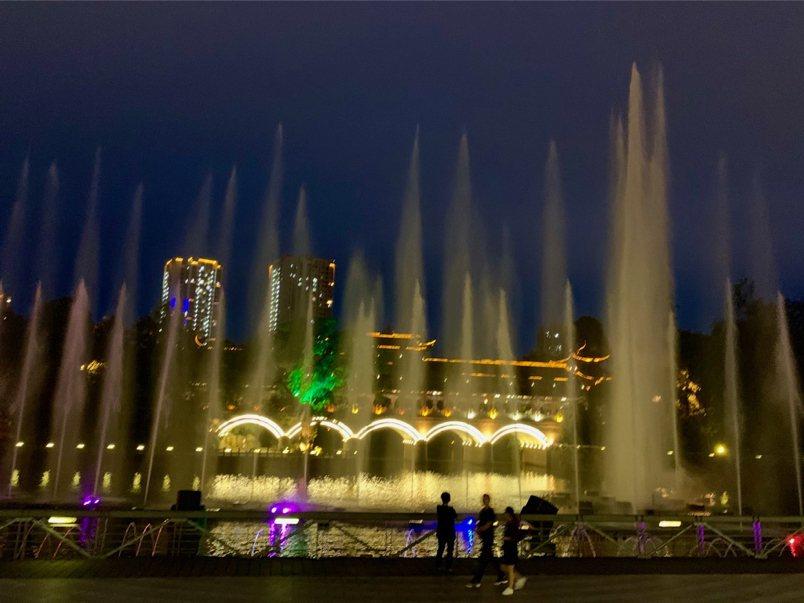 中国重庆 璧山区 观音塘湿地音乐喷泉
