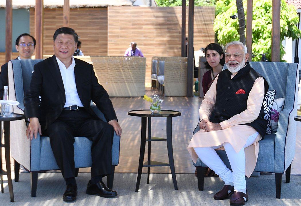 大陆国家主席习近平(左)和印度总理莫迪(右)。欧新社