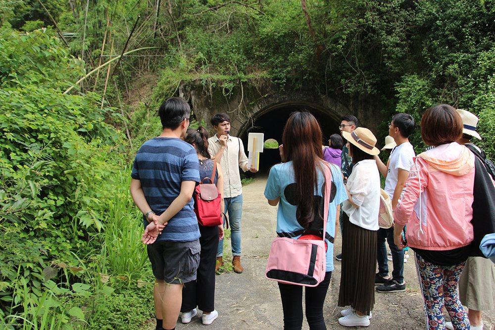 规划并带队到六龟小旅行。 (照片提供/江舟航)