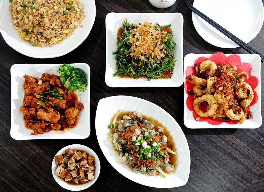 八海鲜餐厅招牌菜,每一道都精彩。 (摄影/曾信耀)