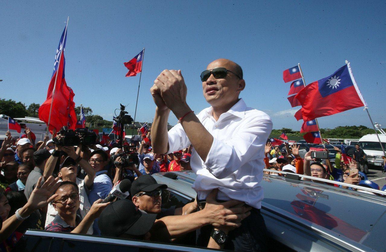 国民党总统参选人韩国瑜请假投入大选,再度掀起支持者的热情。记者陈学圣/摄影