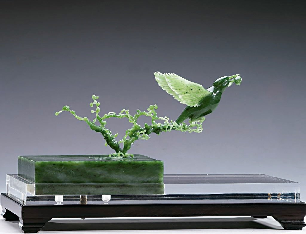 《翠鸟》,材质:台湾玉。
