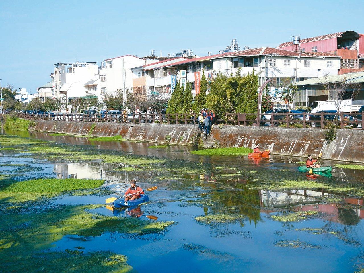 埔里镇公所积极整治杷城疏洪道,盼打造「台湾的左岸咖啡」。 记者赖香珊/摄影