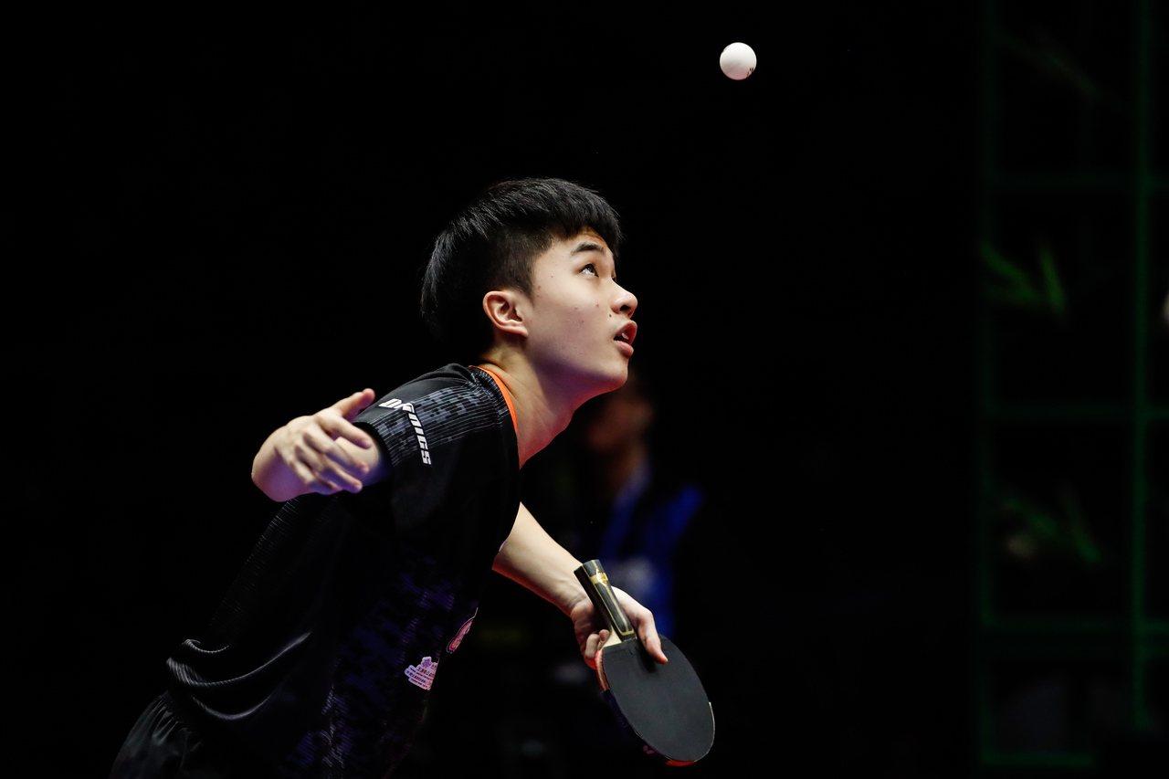 林昀儒(图)与搭档廖振珽,在ITTF世界桌球巡回赛年终赛男双八强赛,以3:1力退...