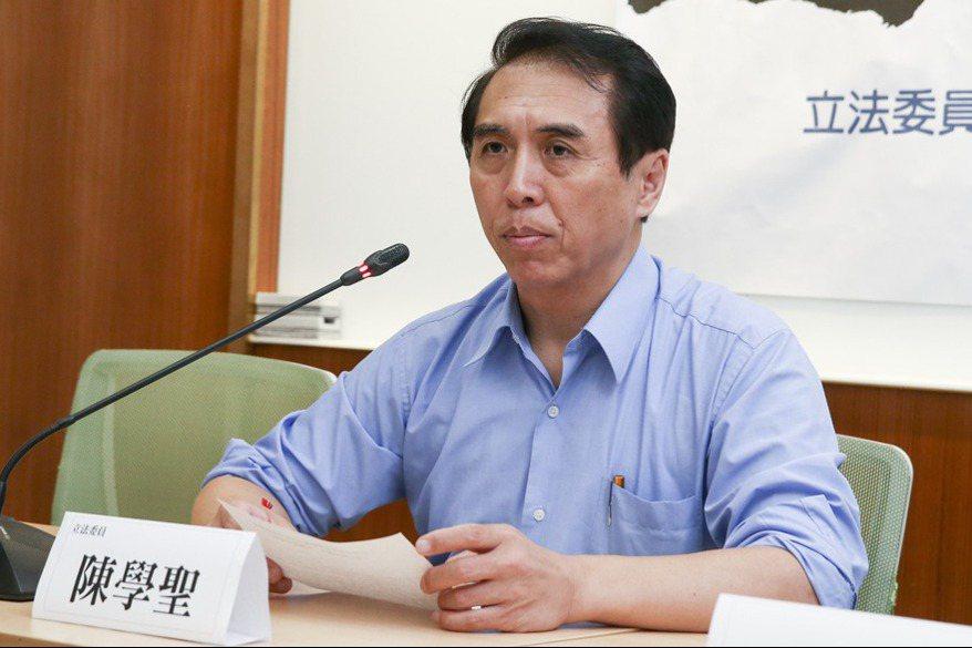 陈学圣要求大学校长为总统论文表态 府:没意义的政治操作