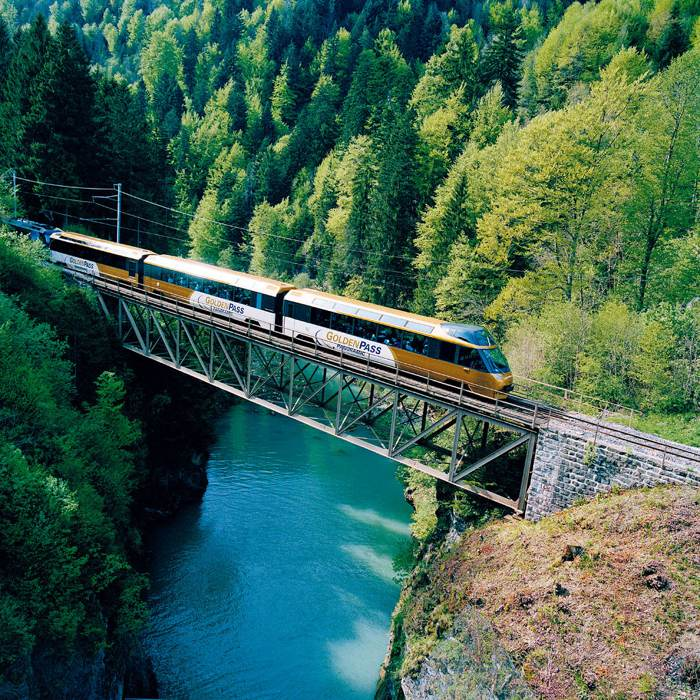瑞士名峰、美村山鎮、景觀鐵道驛站舒活旅
