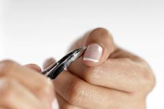 秒懂指甲的10大健康警訊 外觀長這樣竟是罹癌前兆!