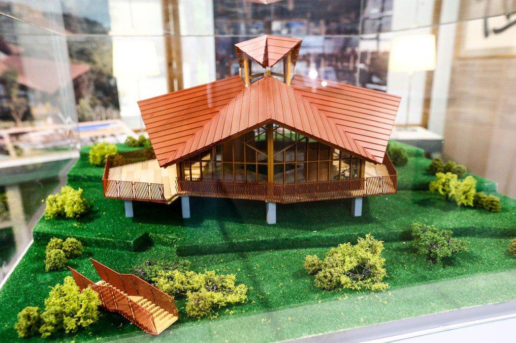 綠築跡台達綠建築展於二十四日開展,現場展出那瑪夏民權國小綠建築模型,詮釋設計理念...