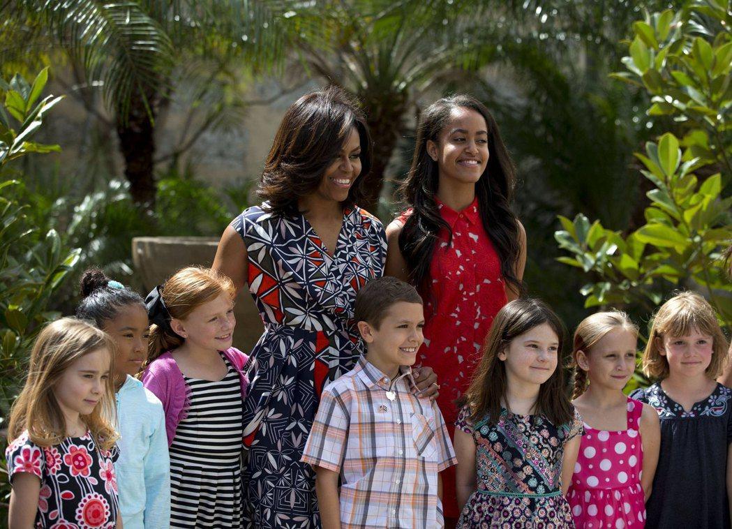 美國第一夫人蜜雪兒歐巴馬曾身穿Tory Burch印花洋裝出席活動。圖/Tory...