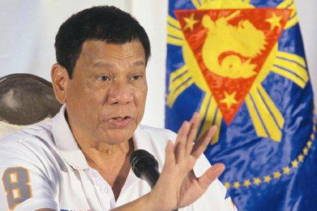 新任菲律賓總統杜特蒂上任還不到三個月,不但對美國總統歐巴馬口出惡言,還揚言要在南...