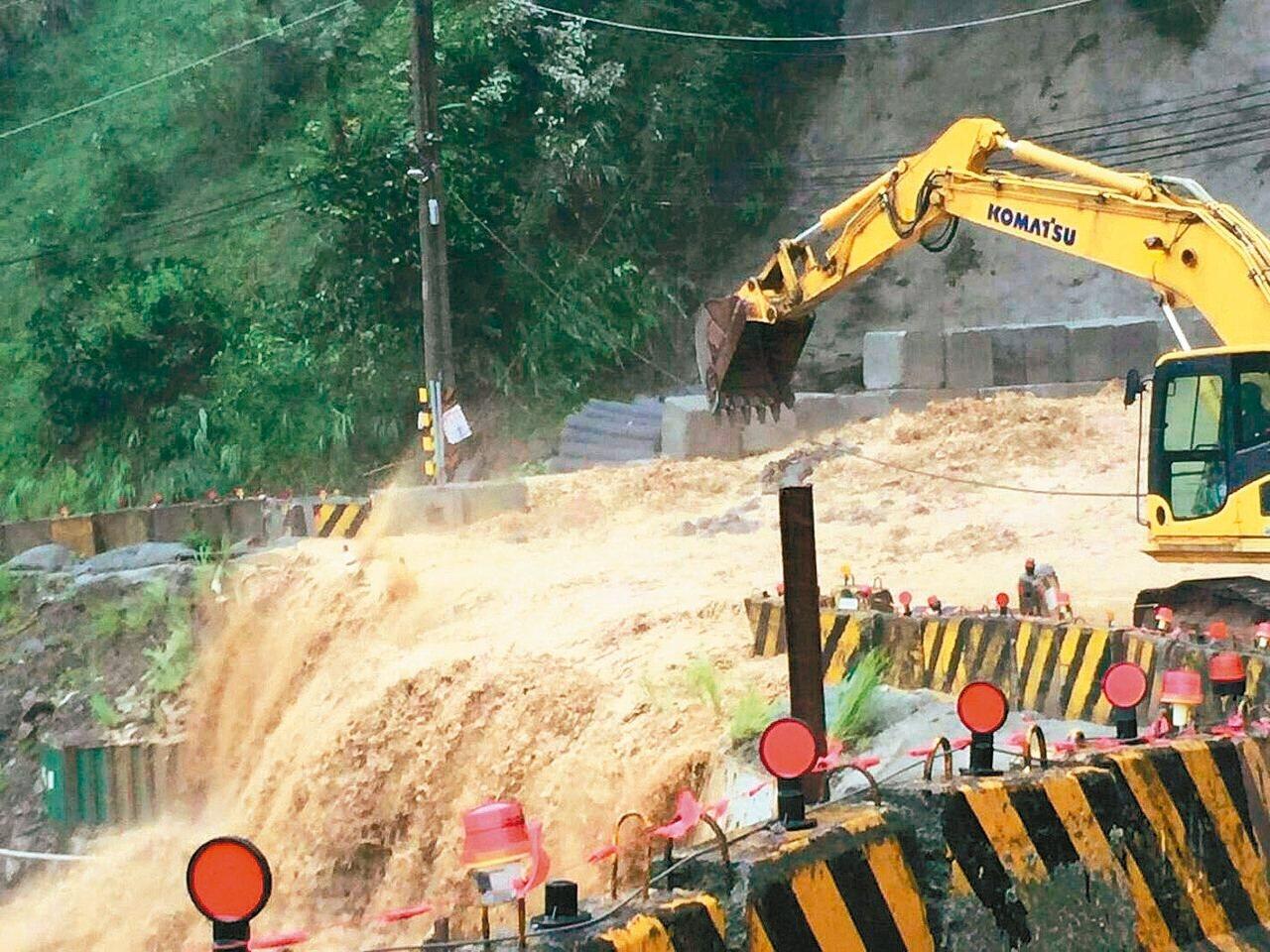 颱風災損大,台股災後及宅經濟概念股短線可望受惠。 圖/新北市消防局提供