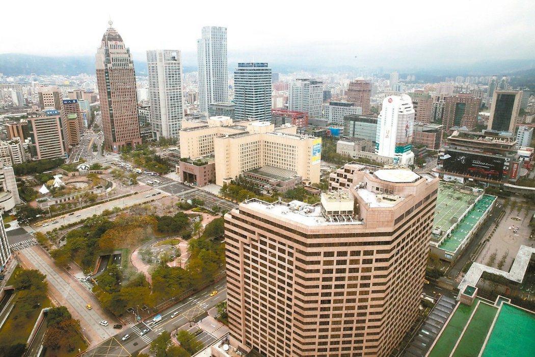 北市中心今年有不少建案開價仍逾百萬,但業者坦言參考就好。 圖/報系資料照