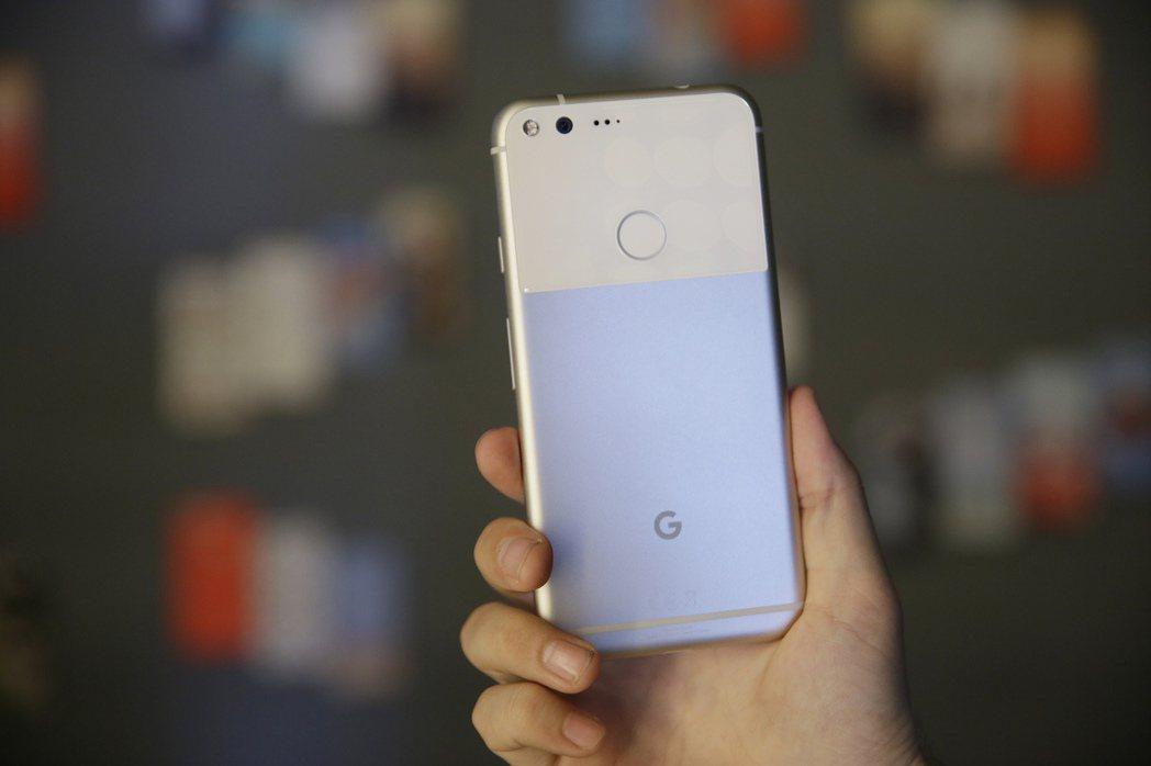 Google新機Pixel。(圖/路透)