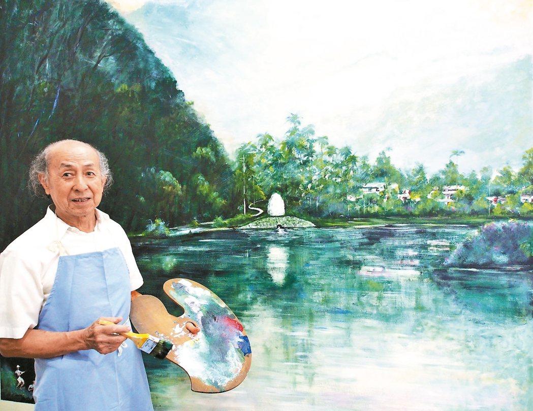 藝術家林興彩繪宜蘭大學圖資館牆面,為館內增添湖光山色的浪漫。 記者吳佩旻/攝影