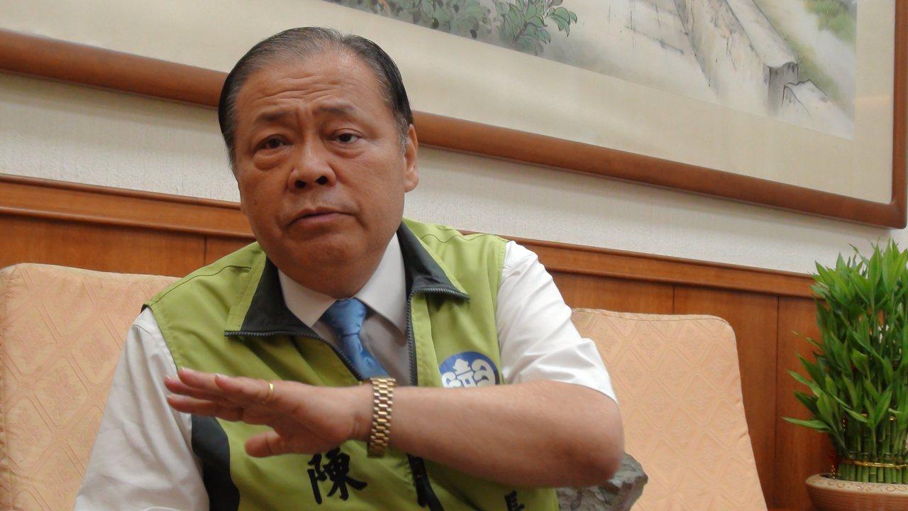公投反賭方勝出,澎湖縣長陳光復說,未來一定要為澎湖找一條出路。 記者謝梅芬/攝影