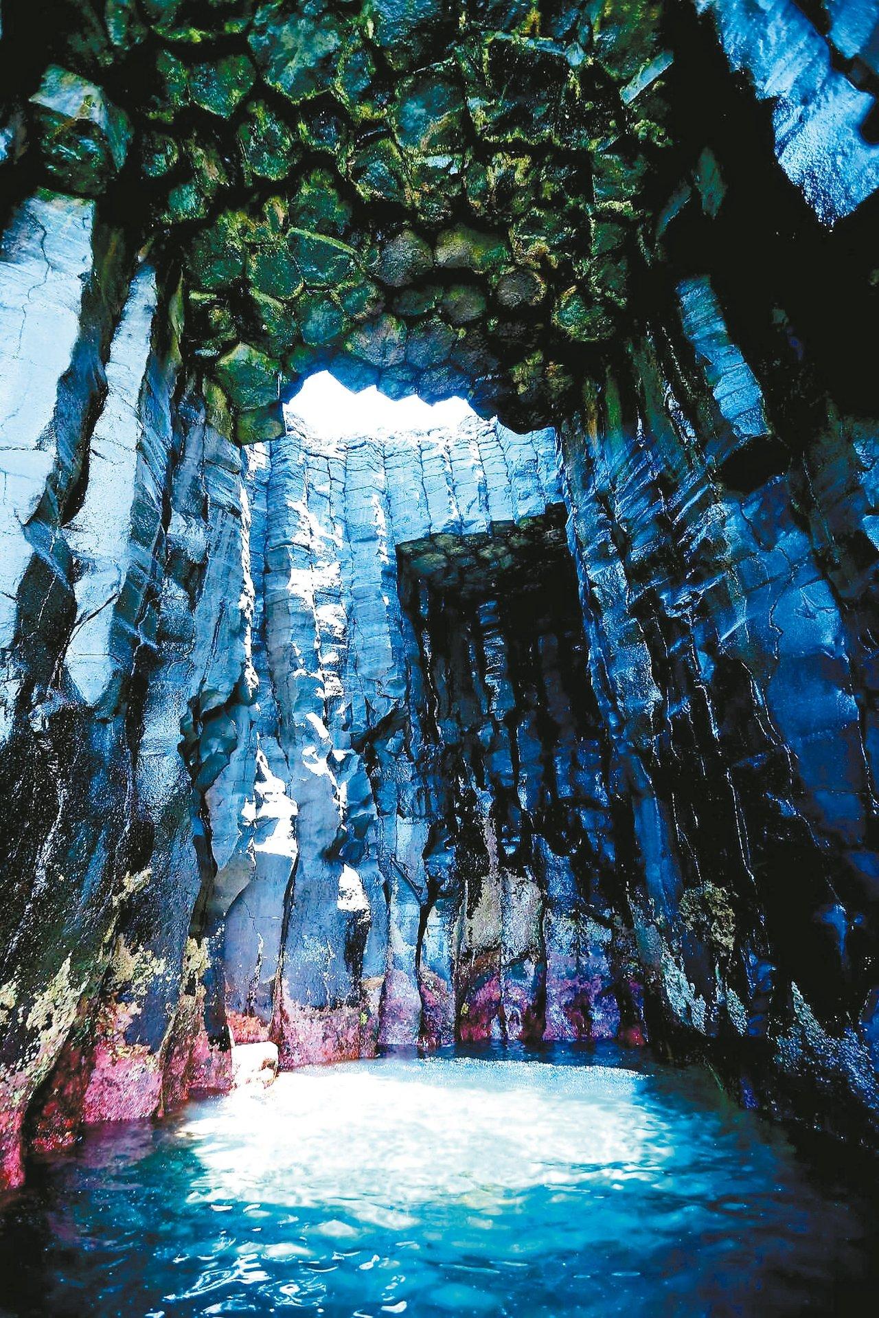 澎湖擁有許多世界級的地質遺址,四季遊賞各有風情。 圖/澎湖縣政府旅遊處提供
