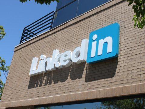 LinkedIn前員工賽克森列出幾個LinkedIn使用者在選擇大頭照時常犯的錯...