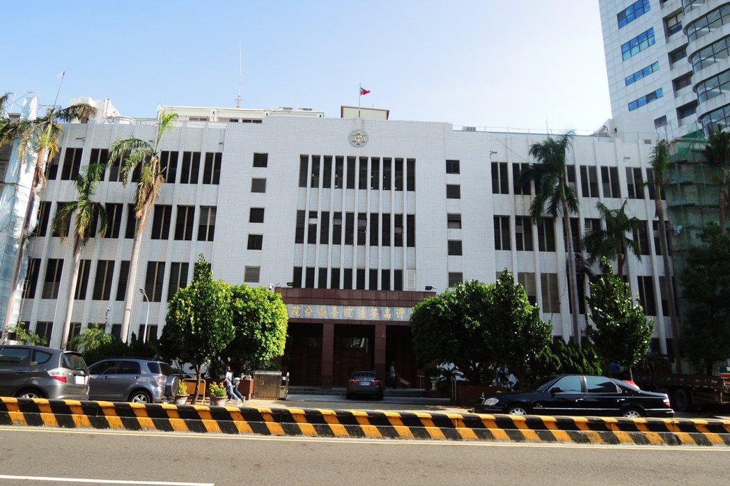 雲林縣「洋娃娃童屍案」,台南高分院更一審認為女童母親傷害致死部分無罪。記者曹馥年...