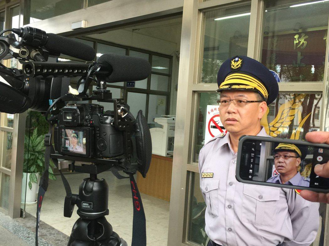 金門縣警局金城分局副分局長曾有慶受訪時表示,已調閱沿線監視器,追蹤這位「瘋狂駕駛...