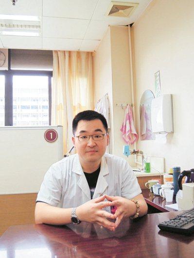 中醫千年流傳,至今仍是醫學界主要流派之一,台生林琨洋(圖)目前是廣州中醫藥大學國...