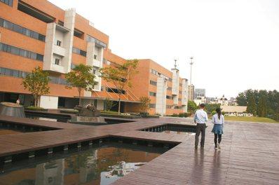 研華科技園區景觀優美,有如大學院校。 圖/記者胡明揚 攝影