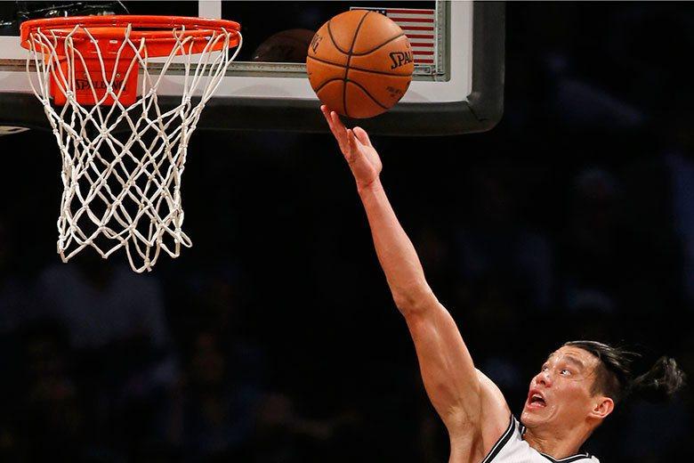 林書豪在黃蜂找回信心,以他的身手和資歷到籃網當上一哥,將有更寬廣的發揮空間。 美...
