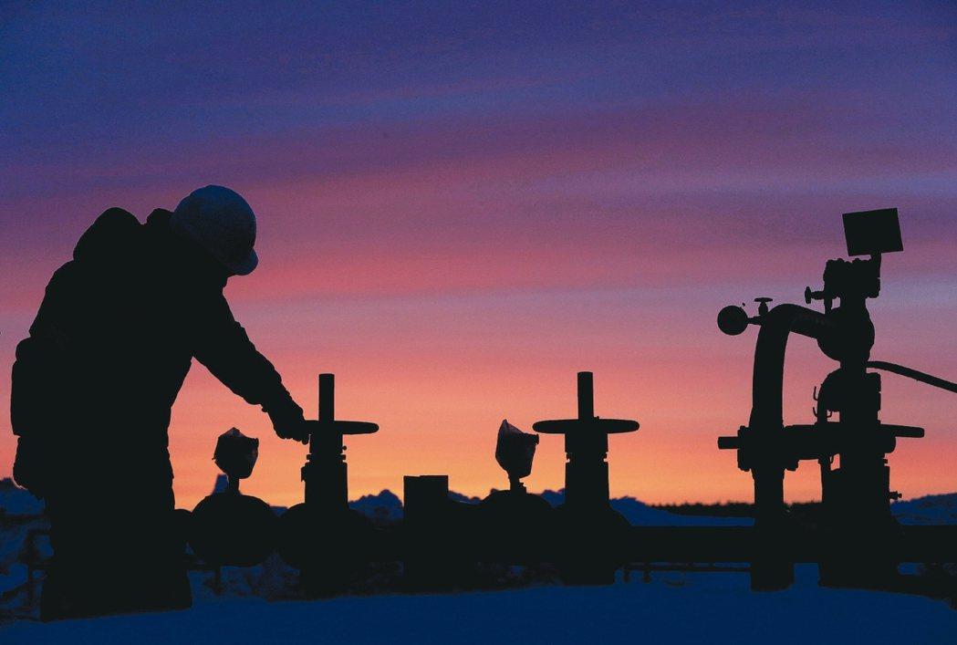 近期產油國間的放話不斷,影響油價走勢。 路透