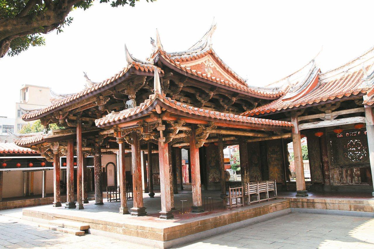 鹿港龍山寺建築有特色。 圖/鹿港鎮公所提供
