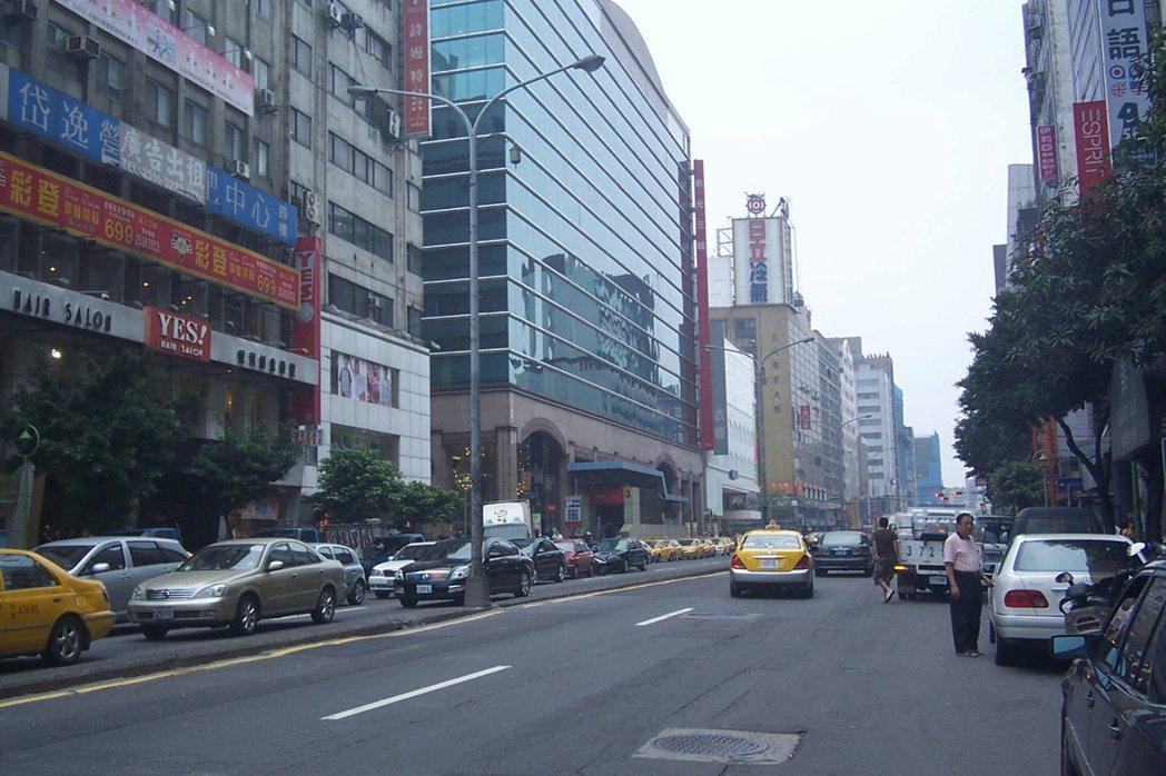 南西商圈資料照 記者游智文/攝影