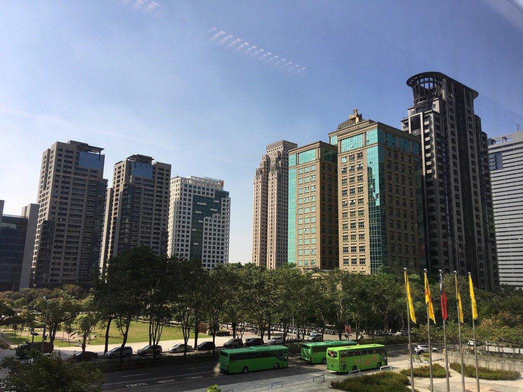 地價稅大漲,引發民怨。記者陳秋雲/攝影