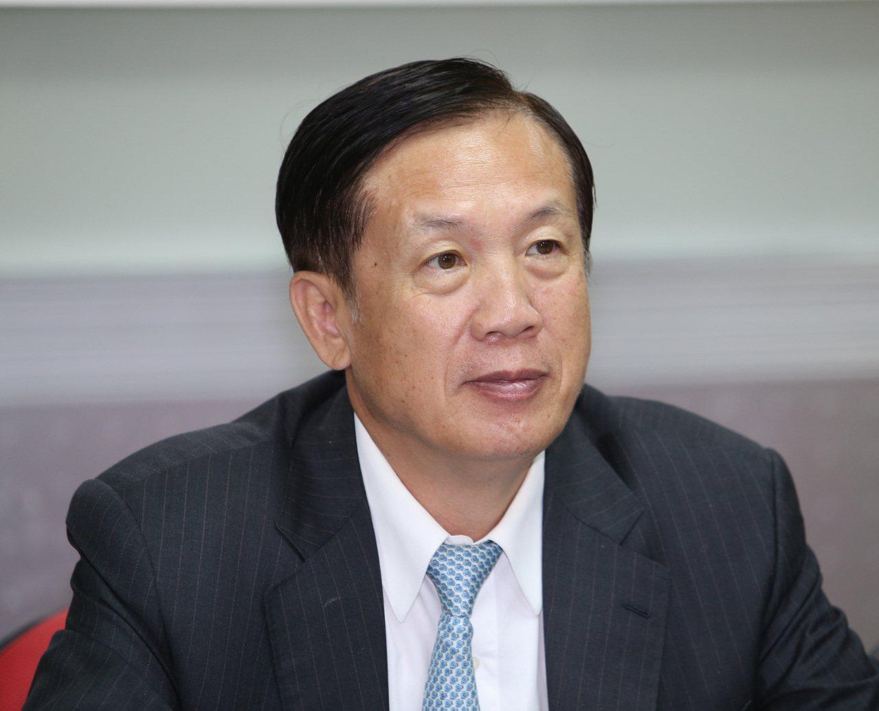 商總理事長賴正鎰(圖)今(15日)表示,都更目前面臨兩大問題要先解決,第一是降低...