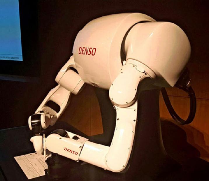 以考上東大為目標的東Robo君近日在第四次模擬考中仍未達標,研究小組表示未來將把...