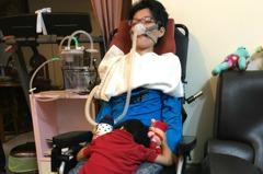「漸凍媽媽」忍痛拿掉腹中胎 2歲兒讓她堅強活下去