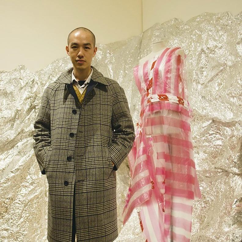 台灣特產「紅白塑膠袋」 登上倫敦時裝周