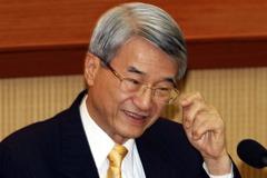 解新光雙姝怨 吳東進:李紀珠KPI去年董事會已通過