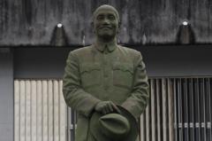 大學蔣公銅像遭破壞 高市一日兩起