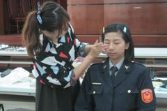 女警們學化妝 變不一樣了