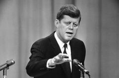 甘迺迪故居清出的老東西 變身JFK藝術品