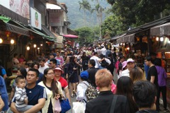 假日必定大塞車!新竹「內灣」到底在熱鬧什麼?