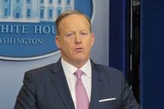 白宮發言人服後備役 副發言人鳩佔鵲巢?